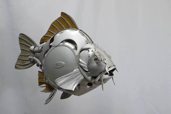 ford hubcap fish