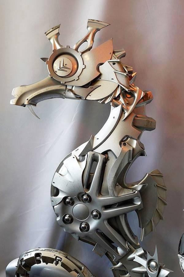 sea horse hubcaps