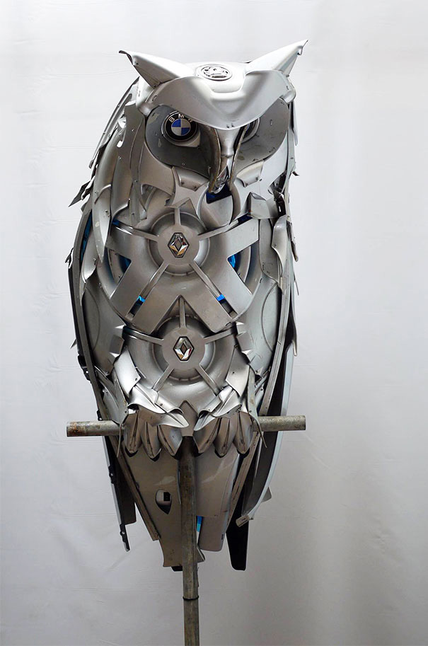 hubcap sculpture owl